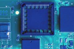 Textura azul de la placa de circuito Foto de archivo