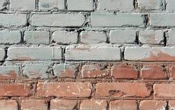 Textura bicolor de la pared de ladrillo Imágenes de archivo libres de regalías