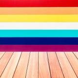 Textura colorida da parede com o assoalho da madeira da prancha fotos de stock royalty free