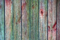 Textura colorida de placas de madeira velhas de uma cerca rural Foto de Stock Royalty Free