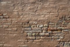 Textura corroída da parede de tijolo Fotos de Stock