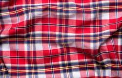 Textura a cuadros roja del fondo de la tela Foto de archivo libre de regalías