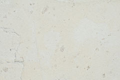 A textura da superfície da parede velha da construção, lá é fraturas, quebras, divórcios da cor e depósitos de sal fotos de stock royalty free