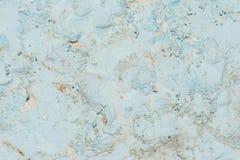 A textura da superfície da parede velha da construção, lá é fraturas, quebras, divórcios da cor e depósitos de sal foto de stock royalty free