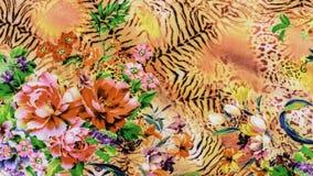 A textura da tela da cópia listrou o leopardo e a flor Imagens de Stock Royalty Free