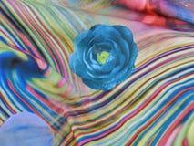 Textura da tela feita malha com ornamento colorido Fotos de Stock
