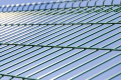 Textura das barras de ferro da cerca da cadeia foto de stock royalty free