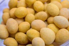 A textura das bolas do queijo imagens de stock