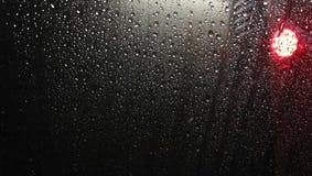 Textura das gotas da chuva no vidro imagens de stock royalty free