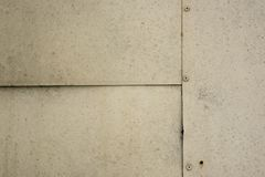 A textura das placas de metal conectadas pelos parafusos imagens de stock