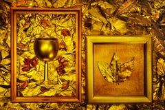 Textura de bronce del metal con los marcos del vintage Imagen de archivo libre de regalías