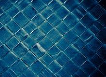 Textura de cuero azul de la moda con reflejo verde Imagenes de archivo