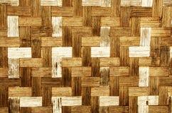 Textura de la estera de mimbre vieja del bambú imágenes de archivo libres de regalías