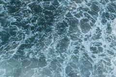 Textura de la opinión superior de la ola oceánica del mar foto de archivo libre de regalías