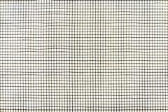 Textura de la pantalla de alambre del mosquito en la ventana Foto de archivo libre de regalías