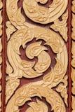 Textura de la puerta en templo tailandés El modelo asombroso Imágenes de archivo libres de regalías