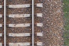Textura de las vías del tren, carriles ferroviarios, visión superior, fondo imagen de archivo libre de regalías