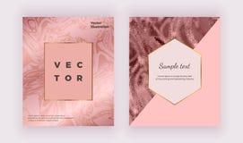 Textura de mármol brillante de la chispa líquida Las cubiertas geométricas diseñan con el oro color de rosa, triángulos rosados P ilustración del vector