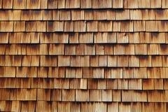 Textura de madeira abstrata de telhas do cedro Foto de Stock Royalty Free