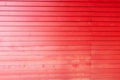 Textura de madeira das pranchas Parede vermelha da madeira com espaço da cópia imagem de stock royalty free