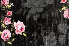 Textura de madeira descascada com as rosas chiques gastos do vintage Foto de Stock