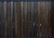 Textura de madeira escura da cerca Fotos de Stock Royalty Free