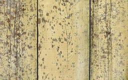 Textura de madeira natural com pintura lascada amarela Foto de Stock