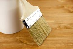 A textura de madeira, pode e pincel/housework fotografia de stock