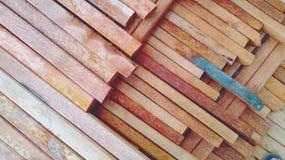 textura de madera del coco dispuesta cuidadosamente para los materiales de construcci?n caseros imagenes de archivo