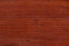 Textura de madera pulida roja Fotos de archivo