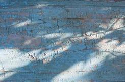 Textura de madera rústica con la pintura azul de descoloramiento Foto de archivo libre de regalías