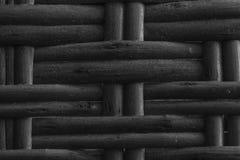 Textura de mimbre de madera monocromática del artículo de mimbre para el uso del fondo fotos de archivo