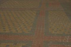 Textura de pedra da cor de pavimentar telhas na estrada fotos de stock royalty free
