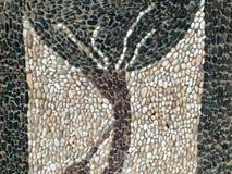 Textura de pedras coloridos das hastes pequenas feitos à mão pretas brancas das formas diferentes sob a forma de uma árvore bonit imagens de stock