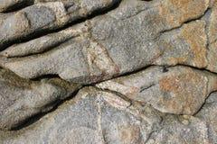 A textura de quebras profundas nas pedras Foto de Stock Royalty Free