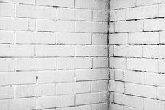 Textura de uma parede branca com tijolos Fotos de Stock