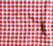 Textura de una manta a cuadros roja y blanca de la comida campestre fotos de archivo