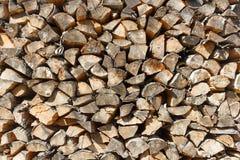 Textura del Woodpile de la madera de abedul Fotos de archivo
