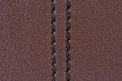 Textura do couro de Brown com costura preta imagem de stock