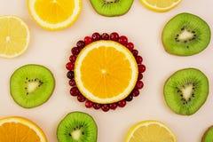 Textura do fruto Fundo de vários frutos cortados Fotos de Stock