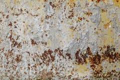Textura do metal cinzento pintado com pontos da corrosão foto de stock royalty free