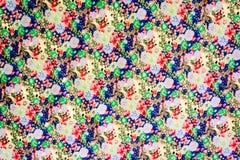 A textura do tecido de algodão com flores pequenas Foto de Stock Royalty Free