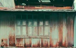 A textura do teste padrão de madeira velho da janela Imagens de Stock Royalty Free