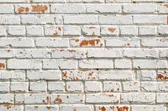 Textura do tijolo velho, pintada no branco Imagens de Stock Royalty Free