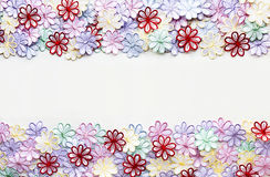 Textura e fundo coloridos do teste padrão de flores do bordado para Fotos de Stock