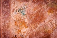 Textura empoeirada suja riscada da placa de cobre, fundo velho do metal Fotografia de Stock