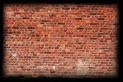 Textura envelhecida da parede de tijolo com beira Fotografia de Stock