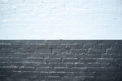 Textura exterior agradável de uma parede preto e branco do tijolo velho Fotografia de Stock Royalty Free