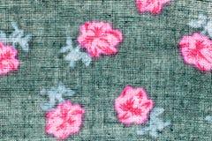 Textura, impresión y wale del modelo negro y rosado de la tela de flores Imagen de archivo