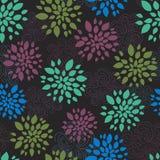 Textura inconsútil abstracta con las flores y las hojas del garabato en fondo negro libre illustration